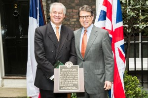Simon Berry and Governor Rick Perry at the unveiling of the plaque