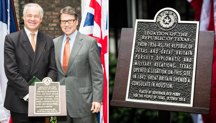 Simon Berry and Governor Rick Perry at the unveiling of the new Texas Embassy plaque at 3 St James's