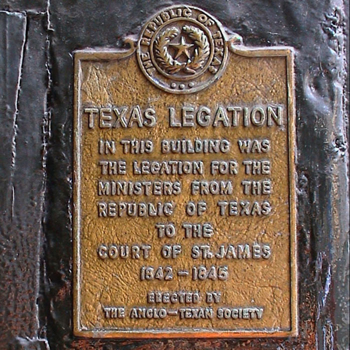 Texas Legation plaque outside Berry Bros. & Rudd at No.3 St James's