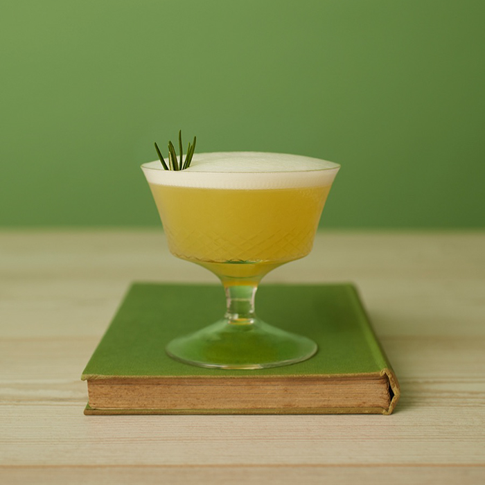 The Garden Sour, a non-alcoholic cocktail with Seedlip