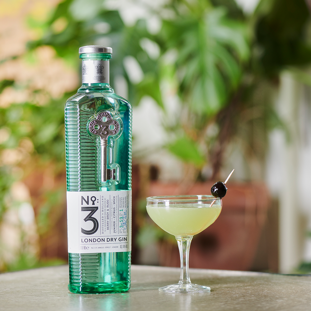 An image of The Last Word cocktail alongside a bottle of our No.3 London Dry Gin
